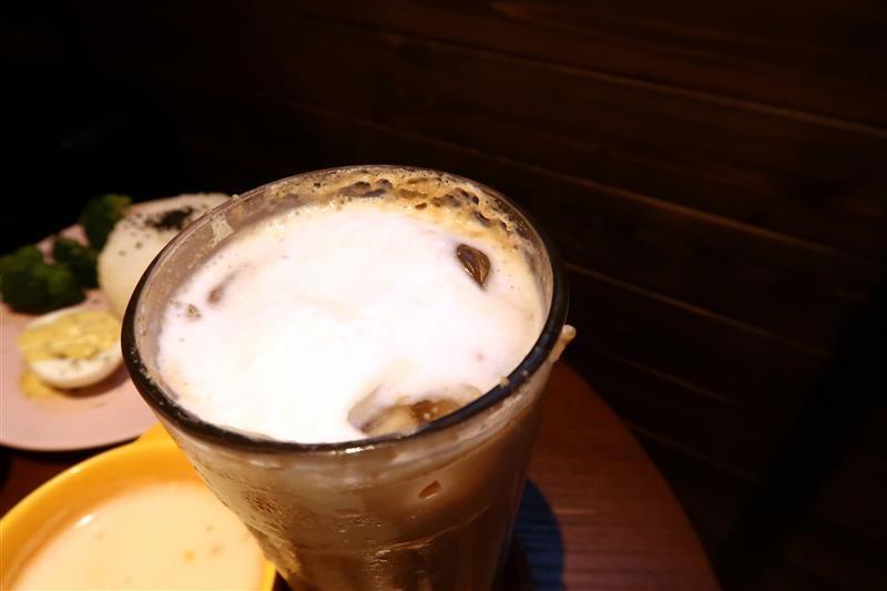 O.L.O CAFE 045.jpg