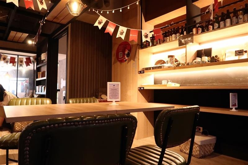 O.L.O CAFE 047.jpg