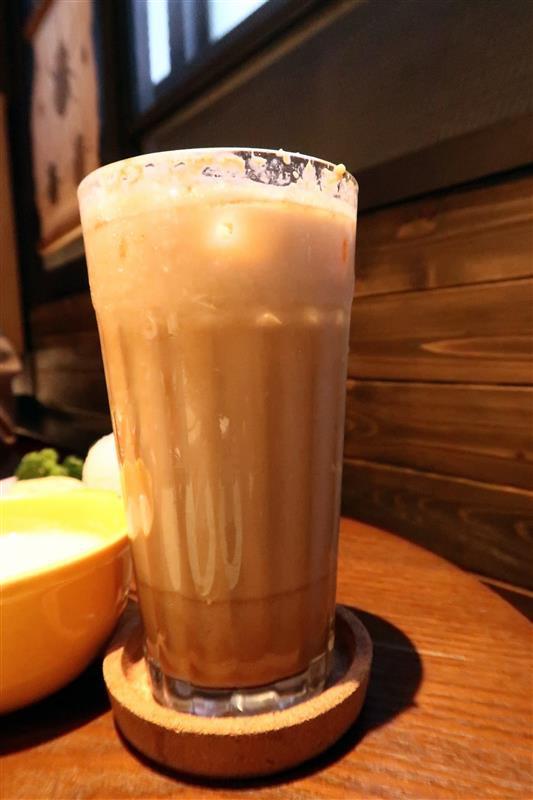 O.L.O CAFE 044.jpg