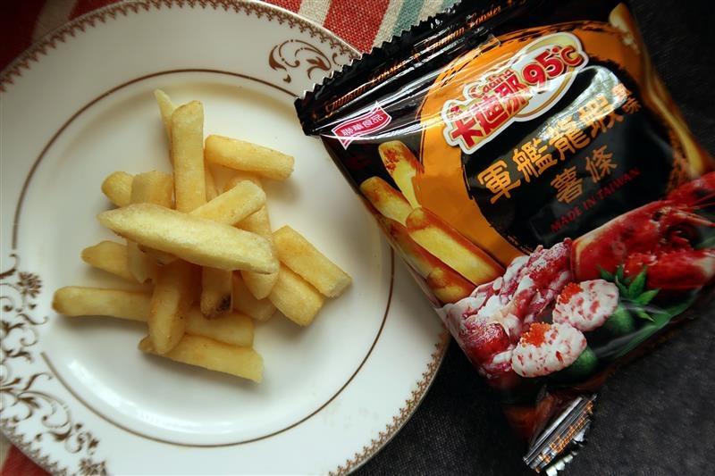 卡迪那95℃薯條 炙燒和牛風味  軍艦龍蝦風味009.jpg