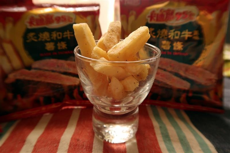 卡迪那95℃薯條 炙燒和牛風味  軍艦龍蝦風味023.jpg
