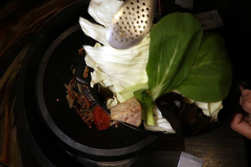 肉多多 新店 299 石頭火鍋 030.jpg