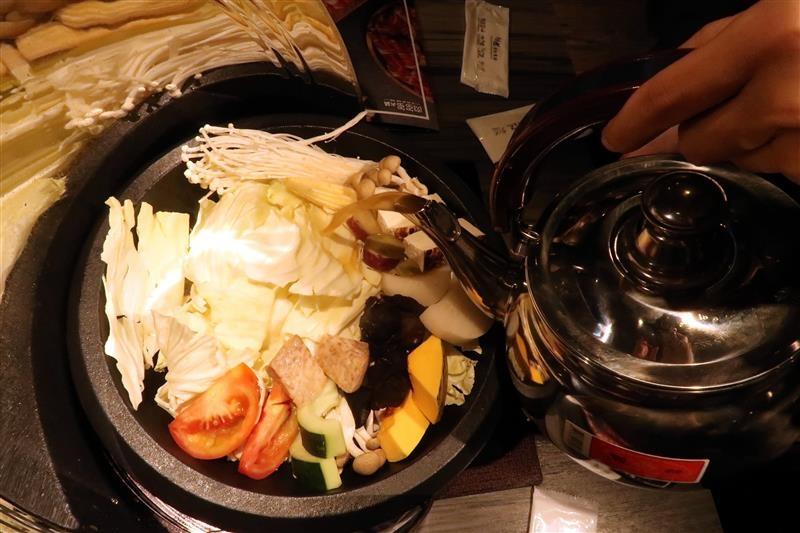 肉多多 新店 299 石頭火鍋 032.jpg