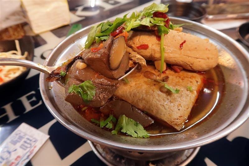 噗嚨哄海鮮熱炒 信義安和海鮮熱炒,烤物013.jpg