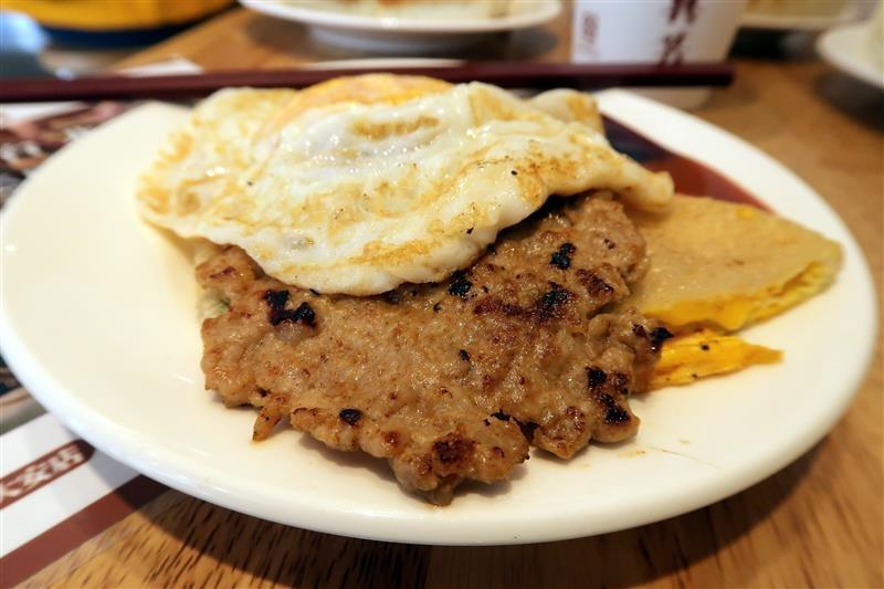 台北必吃早餐 真芳炭烤土司  030.jpg