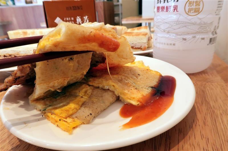 台北必吃早餐 真芳炭烤土司  049.jpg
