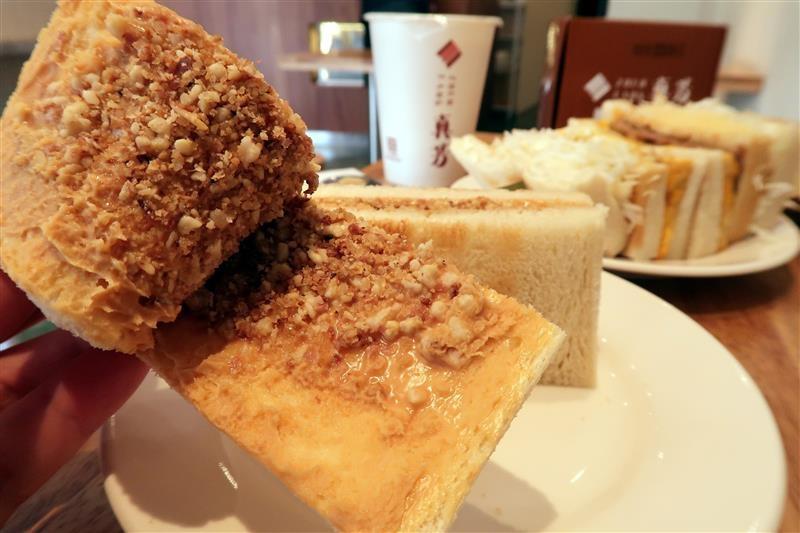台北必吃早餐 真芳炭烤土司  054.jpg