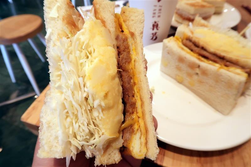 台北必吃早餐 真芳炭烤土司  060.jpg