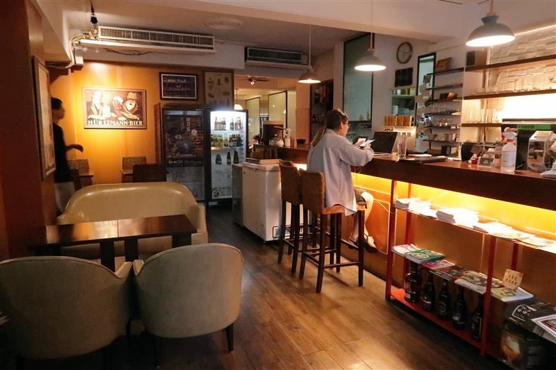 公館咖啡廳  Cafe Bastille 003.jpg