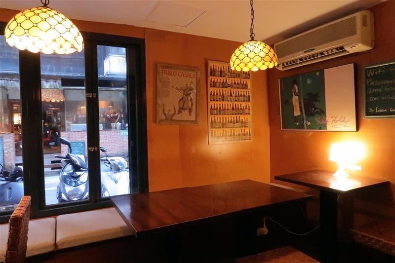 公館咖啡廳  Cafe Bastille 005.jpg