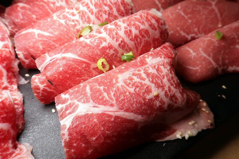 板橋燒肉吃到飽 燒肉殿 板橋耶誕城016.jpg