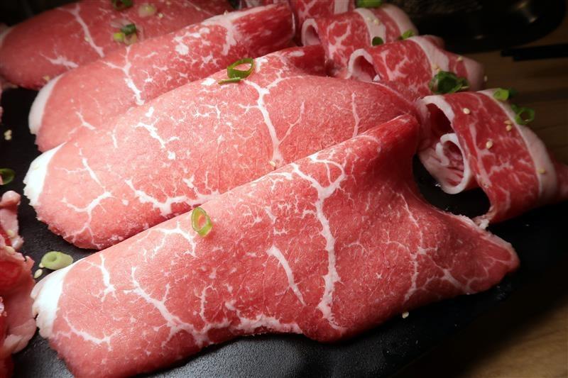 板橋燒肉吃到飽 燒肉殿 板橋耶誕城017.jpg