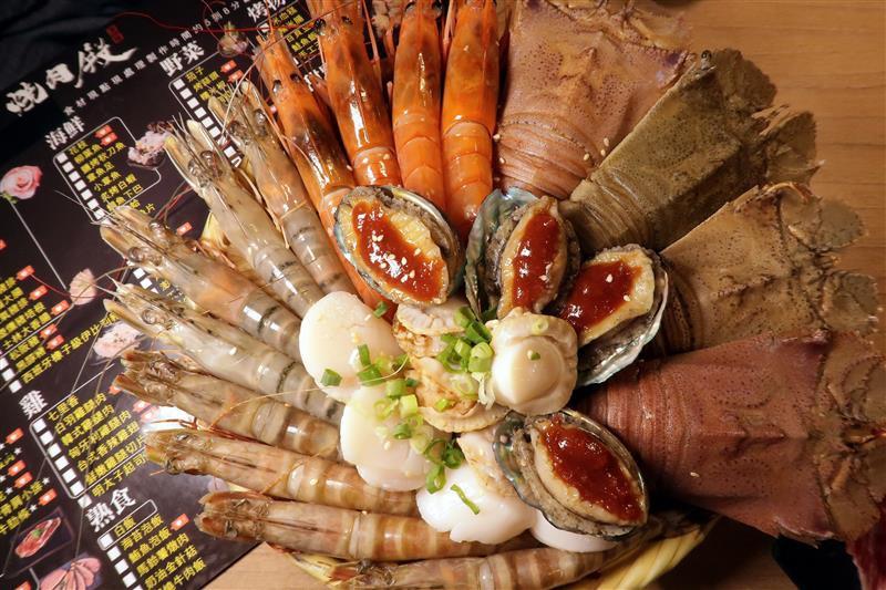 板橋燒肉吃到飽 燒肉殿 板橋耶誕城022.jpg
