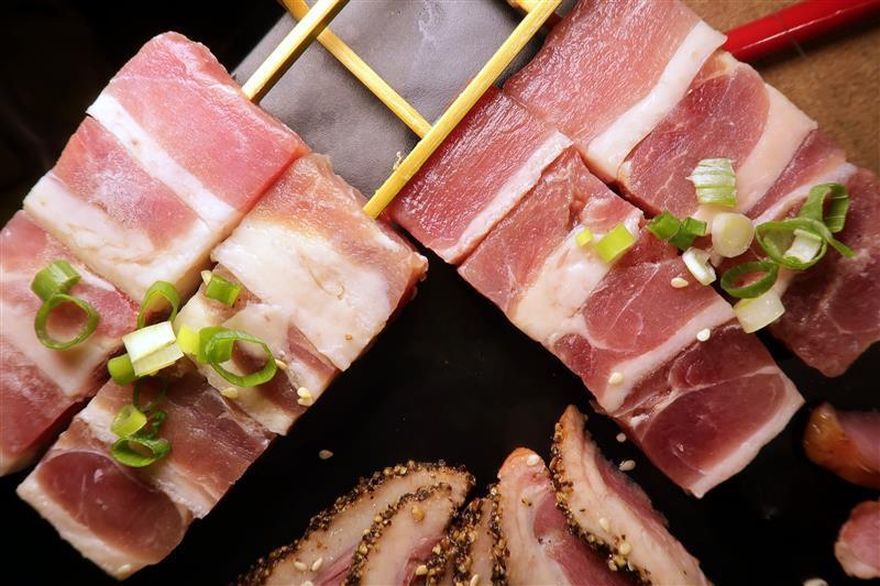 板橋燒肉吃到飽 燒肉殿 板橋耶誕城040.jpg