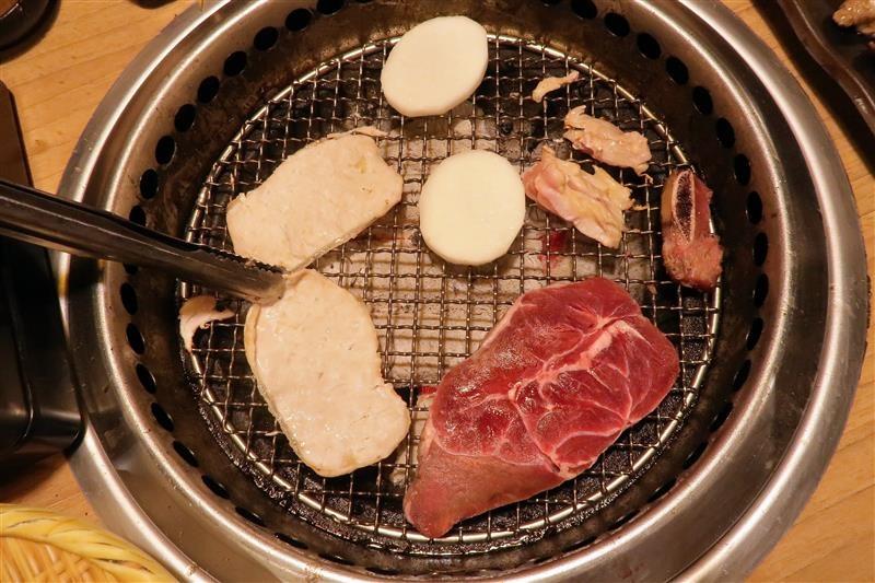 板橋燒肉吃到飽 燒肉殿 板橋耶誕城053.jpg