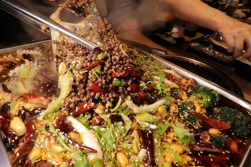 板橋燒肉吃到飽 燒肉殿 板橋耶誕城057.jpg