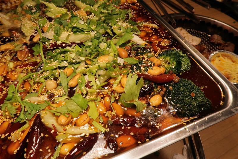 板橋燒肉吃到飽 燒肉殿 板橋耶誕城055.jpg