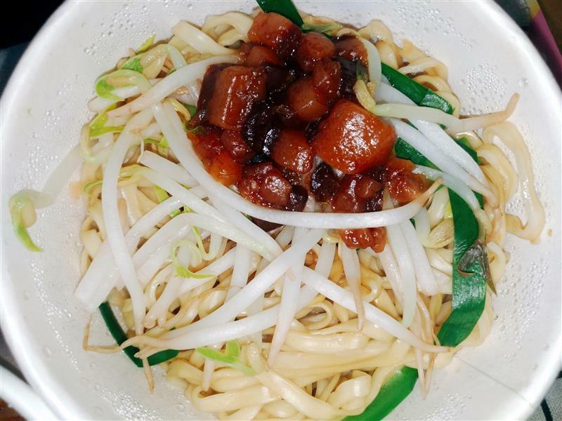 新店魯肉飯 岡山羊肉 滷肉飯016.jpg