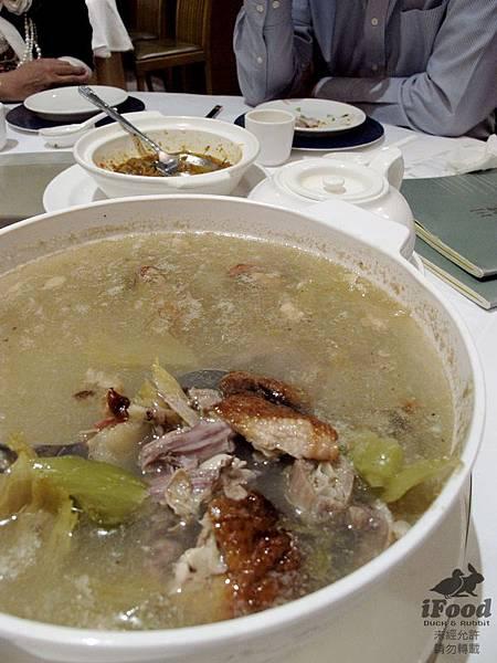 09_酸菜鴨架湯-2