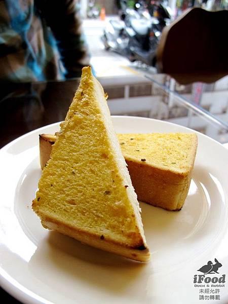 02_蒜味香料麵包