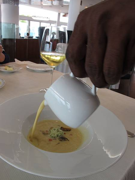 03_Lightly Curried Mussel Veloute Coriander crème and vegetable brunoise-1