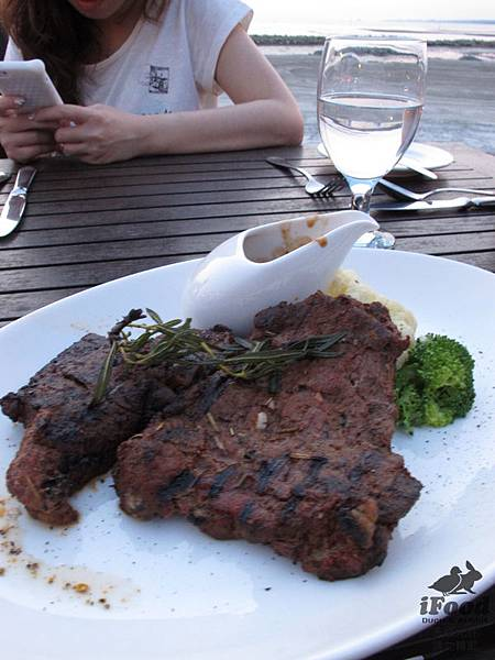 03_Aussie Rib Eye with Wine sauce or Black pepper corn sauce_RM 65.00