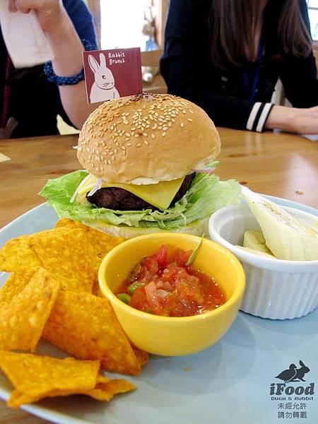 02_牛肉漢堡-1.JPG