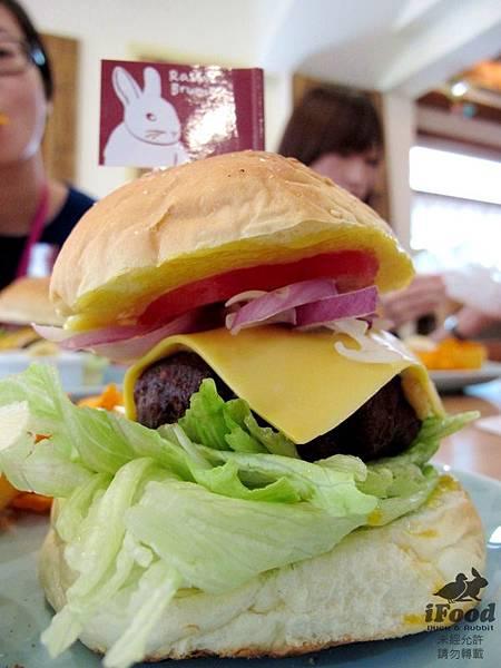02_牛肉漢堡-2.JPG