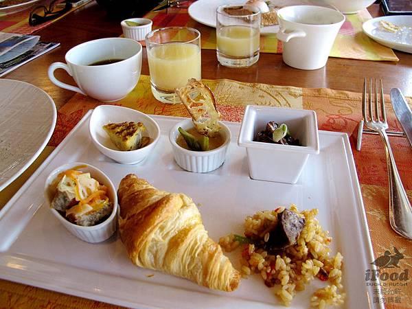 01_Breakfast-3.JPG