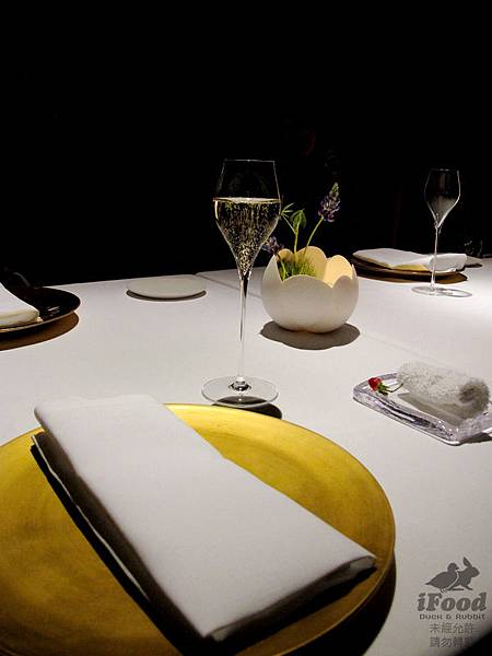 00_2_Table Setting-1.JPG