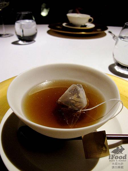 09_Consomme Soupe_松茸湯.JPG