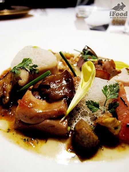 13_清酒香味的蘑菇奶油沙司土雞-4.JPG