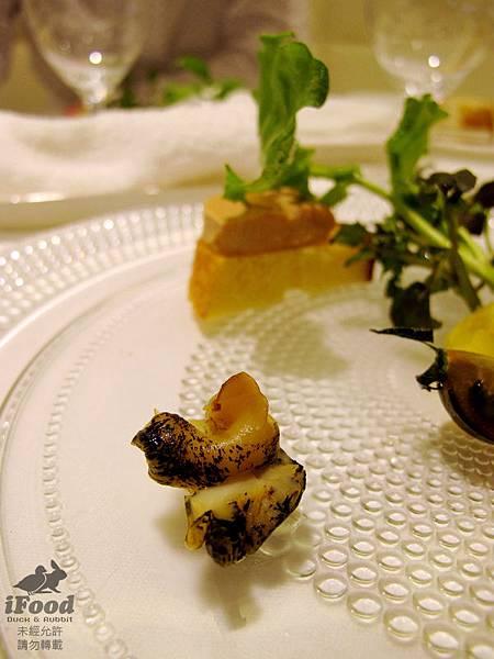 03_季節前菜拼盤_真鯛 燻鮭魚 油封鵝肝 螺貝-3.JPG