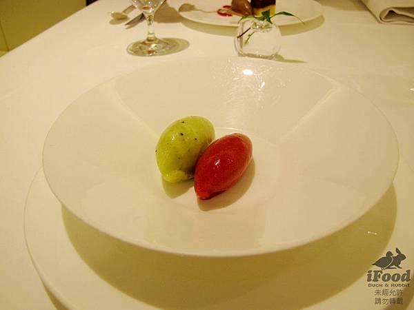 09_樹莓與奇異果冰沙-1.JPG