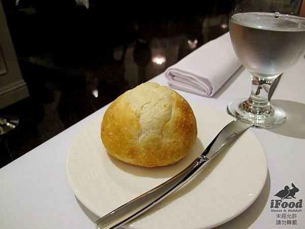 02_法國小園麵包+奶油+橄欖油油醋-1.JPG
