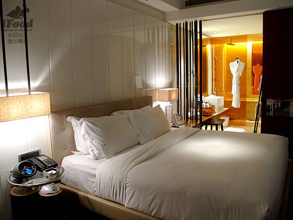 01_Room 2009-6.JPG