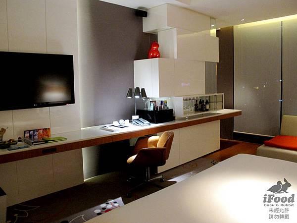 01_Room 2009-3.JPG