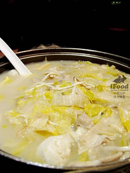 04_酸菜白肉鍋-3.JPG