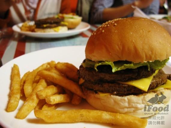 雙層牛肉起司漢堡-1.jpg