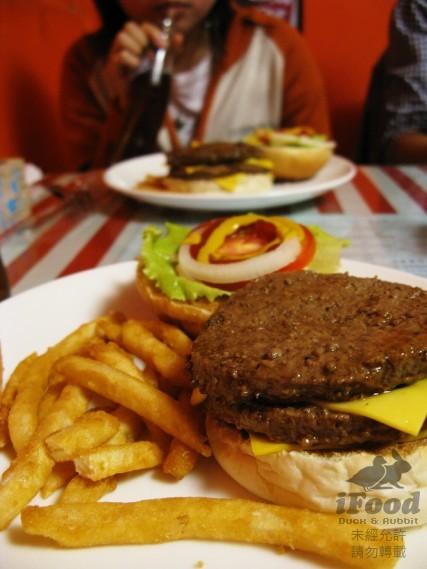 雙層牛肉起司漢堡-3.jpg