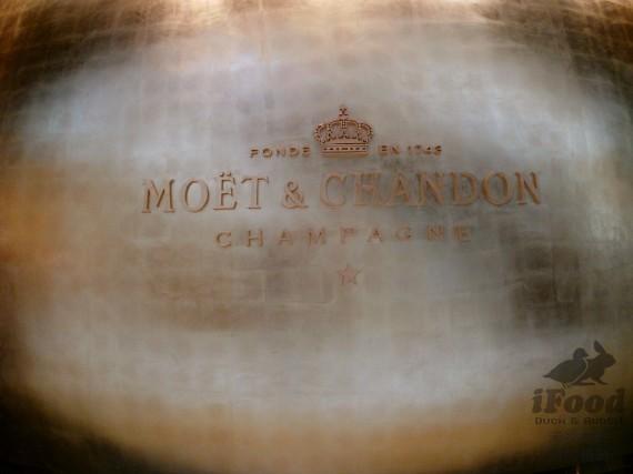 00_MOET & CHANDON 金色氣球 非常醒目.jpg