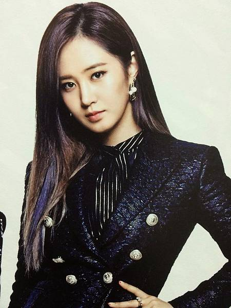 SNSD-Yuri-girls-generation-the best-scan