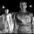 The.Day.The.Earth.Stood.Still.1951.DVDrip.XviD.AC3.iNT-Alaundo[(000476)15-06-43].PNG