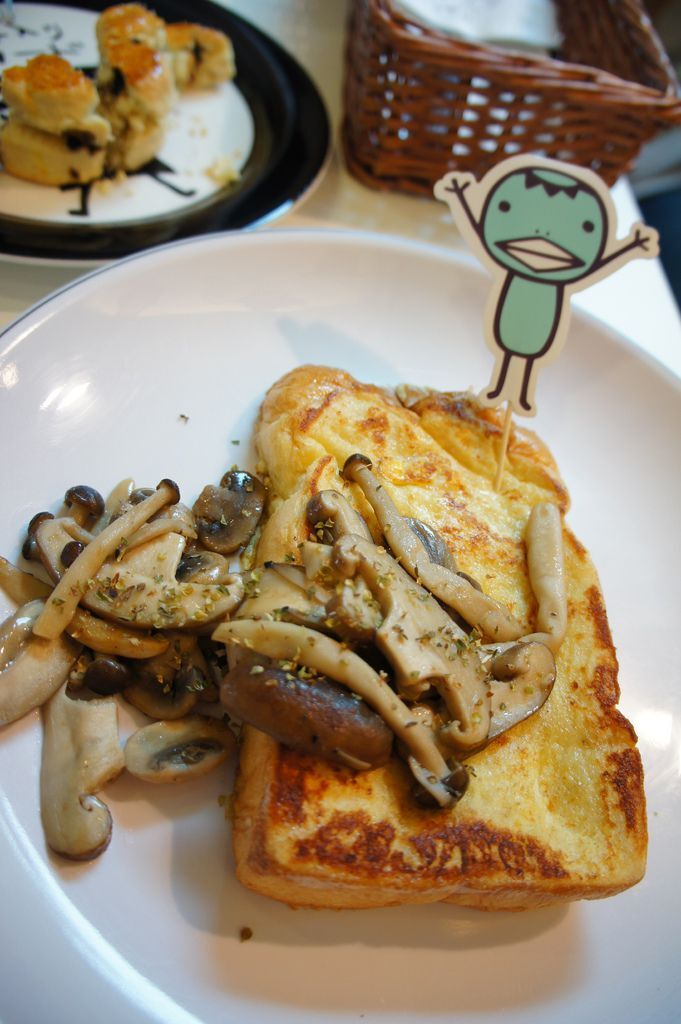 河童特製的炒野菇法式三明治