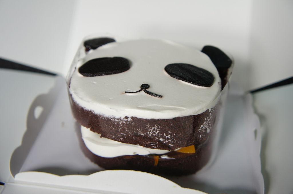 熊貓巧克力水果蛋糕