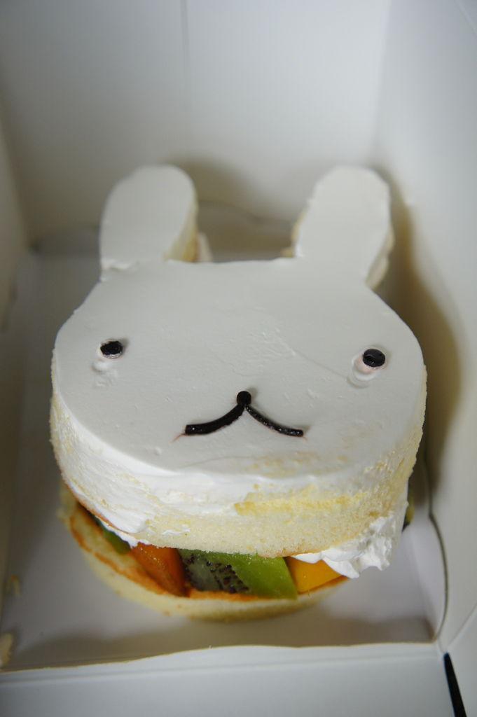 白兔妹水果戚風蛋糕