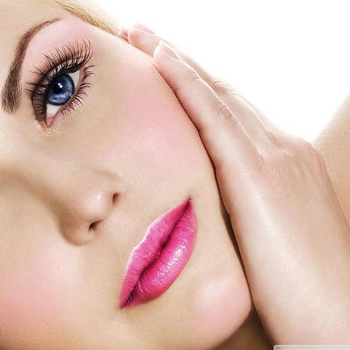 美上美皮膚科提供三重地區民眾優質胺基酸換膚服務,服務內容包含清粉刺