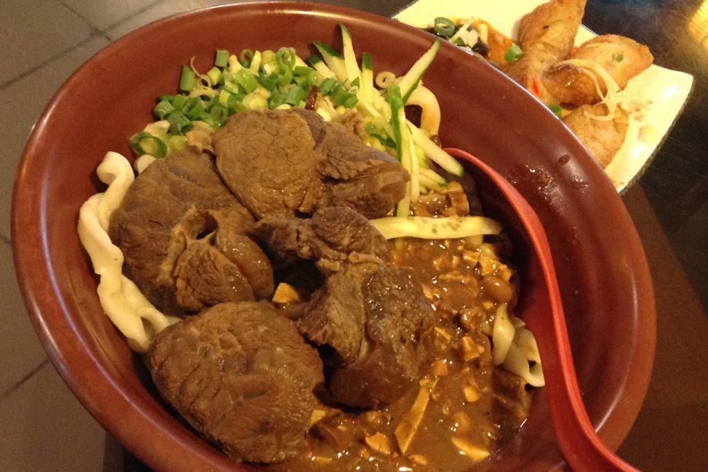 牛肉乾拌麵 (NTD $108) 2015-07-01 12.26.46.jpg