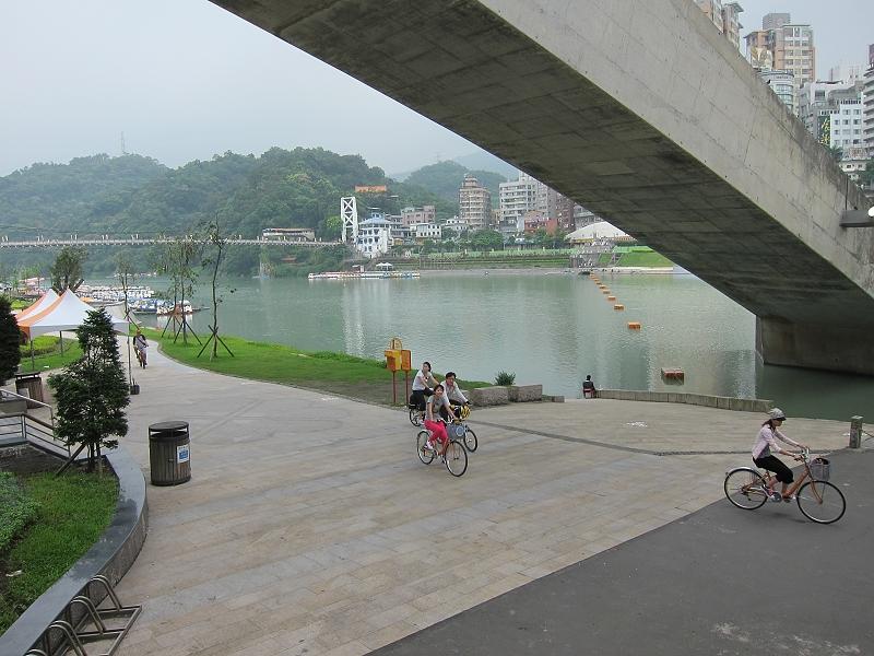 碧潭東岸風光12.jpg