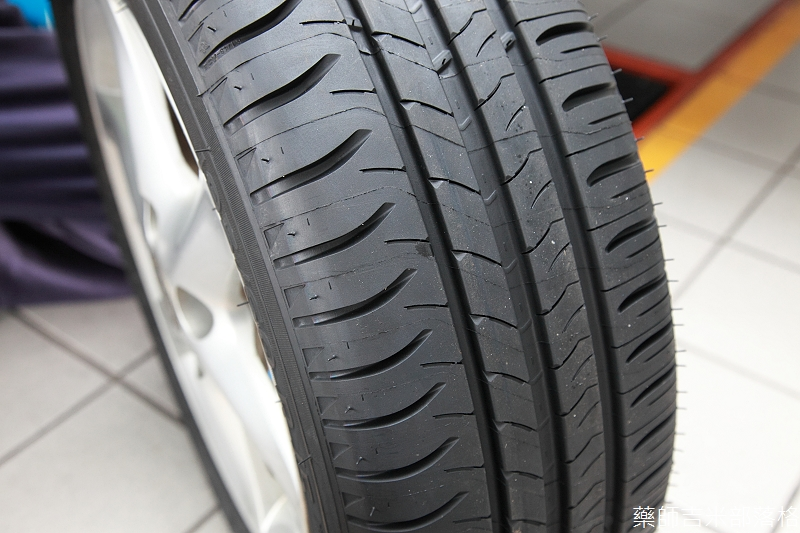 Michelin_Energy_Saver_043
